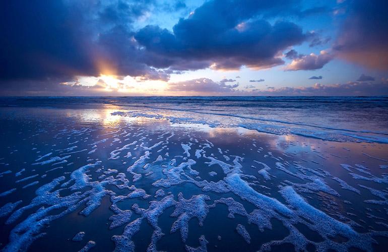 A Peaceful Ocean Beach At Dusk Luminescence Lite